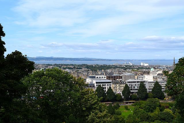 View from Edinburgh Castle | www.rachelphipps.com @rachelphipps