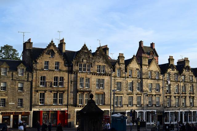House Tops, Edinburgh | www.rachelphipps.com @rachelphipps