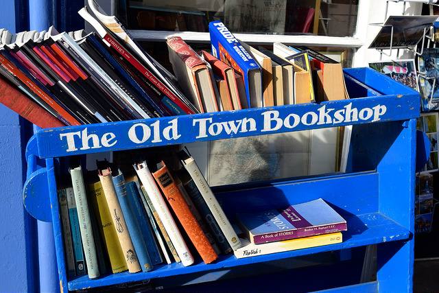 Old Town Bookshop, Edinburgh | www.rachelphipps.com @rachelphipps
