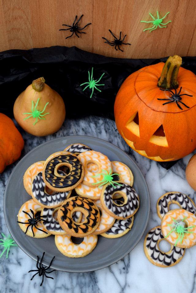 Halloween Party Rings   www.rachelphipps.com @rachelphipps