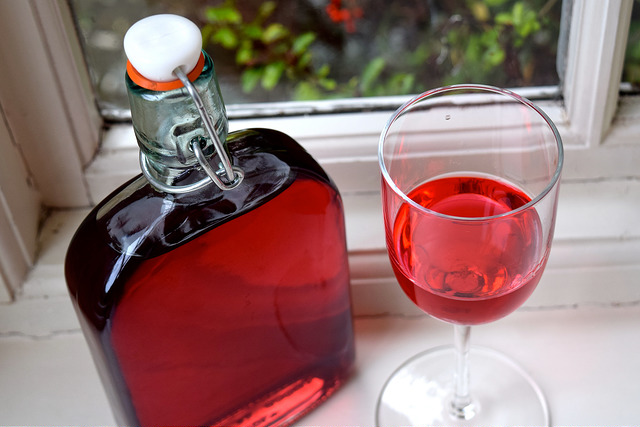 Damson Gin Recipe >> Recipe: How To Make Raspberry Gin - Rachel Phipps