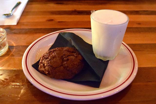 Milk & Cookies at Dirty Bones, Carnaby Street   www.rachelphipps.com @rachelphipps