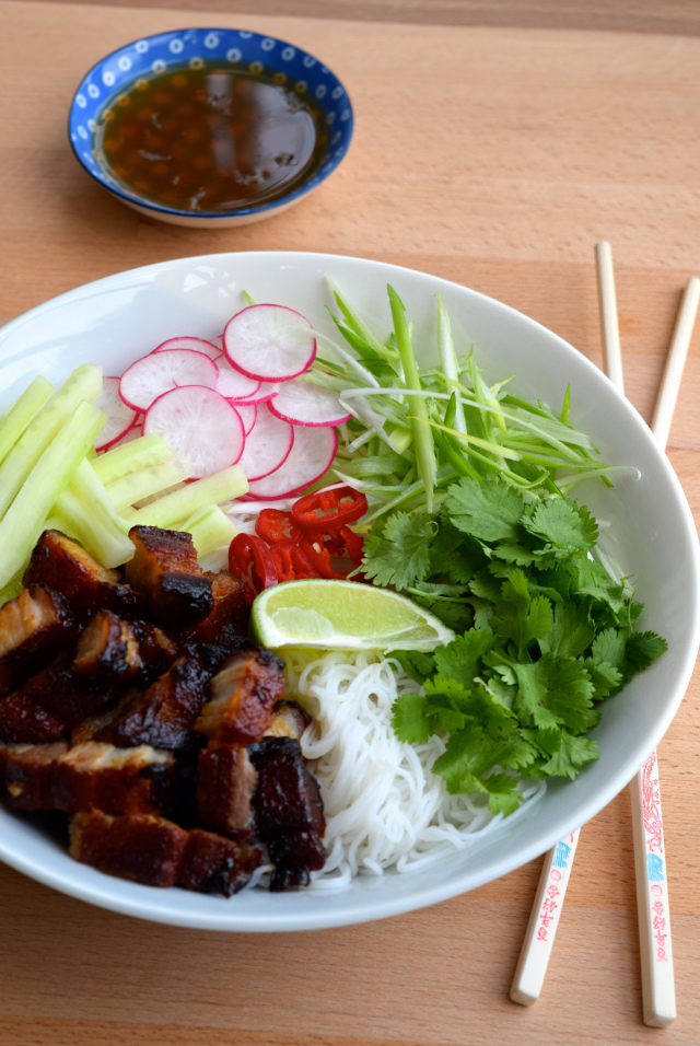 Asian Inspired Korean Pork Belly Bun Bowl   www.rachelphipps.com @rachelphipps