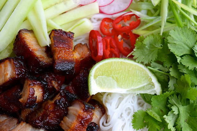 Korean Barbecue Pork Belly Bun Bowls   www.rachelphipps.com @rachelphipps