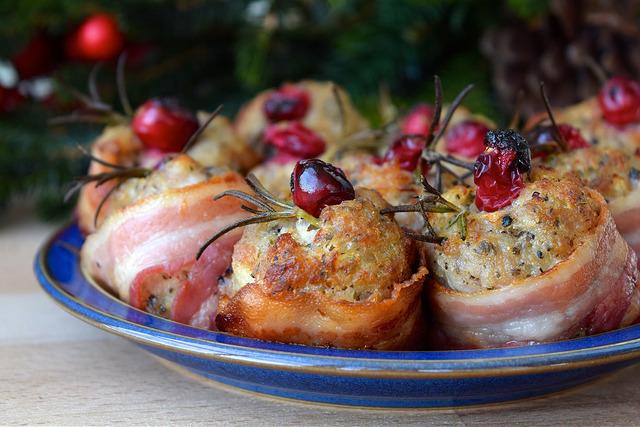 Bacon Wrapped Cranberry & Christmas Stuffing Bites | www.rachelphipps.com @rachelphipps