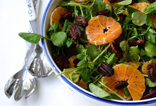 Watercress, Clementine & Candied Festive Spiced Pecan Salad   www.rachelphipps.com @rachelphipps
