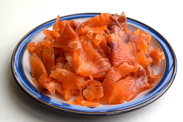 How To Cure Salmon | www.rachelphipps.com @rachelphipps
