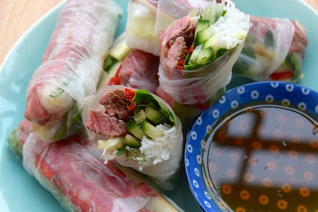 Vietnamese Steak Summer Rolls   www.rachelphipps.com @rachelphipps