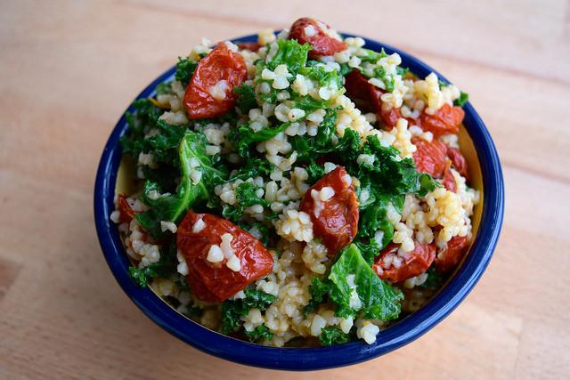 Bulgar Wheat with Kale and Slow Roasted Cherry Tomatoes | www.rachelphipps.com @rachelphipps