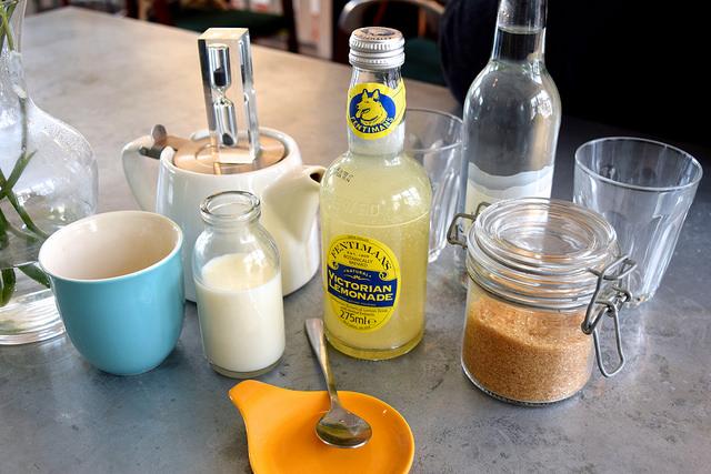 Drinks at Pop Up Cafe, Deal   www.rachelphipps.com @rachelphipps