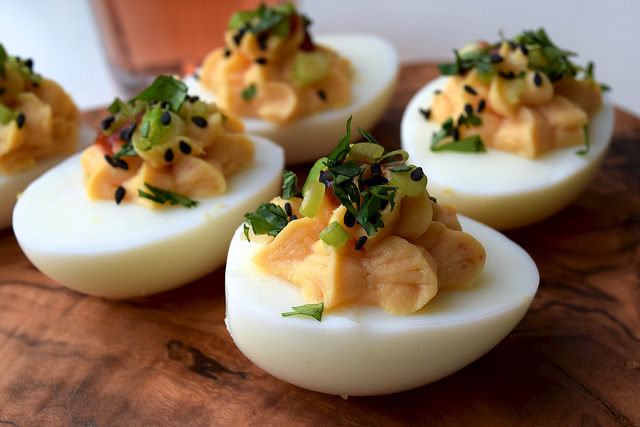 How To Make Devilled Eggs   www.rachelphipps.com @rachelphipps