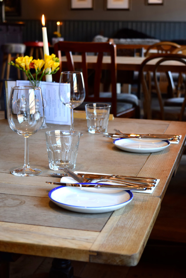 Table Setting at The Duke William, Ickham | www.rachelphipps.com @rachelphipps