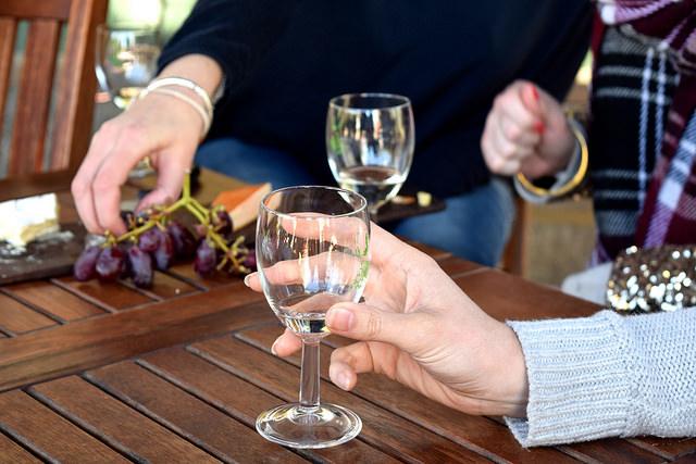 Wine Tasting at Barnsole Vineyard | www.rachelphipps.com @rachelphipps