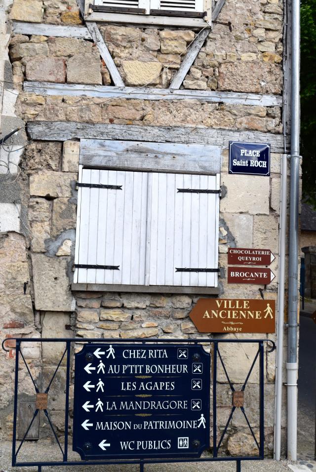 Houses in Terrasson, Aquitaine | www.rachelphipps.com @rachelphipps