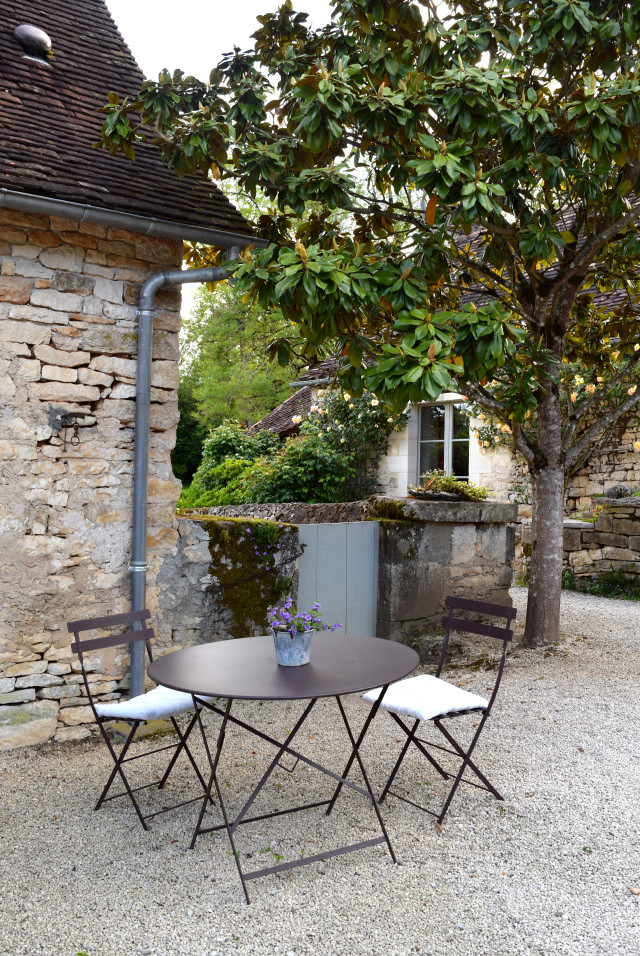 Outdoor Seating at Manoir de Malagorse | www.rachelphipps.com @rachelphipps