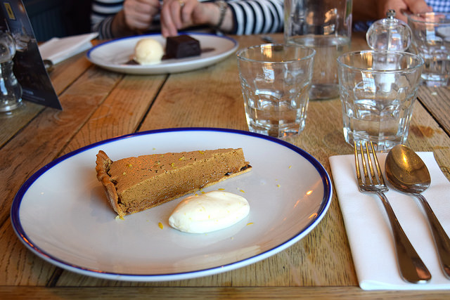 Gypsy Tart with Lemon Cream at The Duke William, Ickham | www.rachelphipps.com @rachelphipps