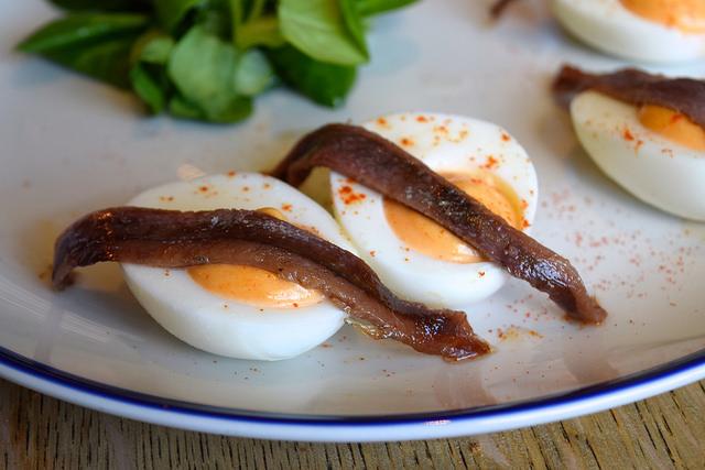 Devilled Eggs at The Duke William, Ickham | www.rachelphipps.com @rachelphipps
