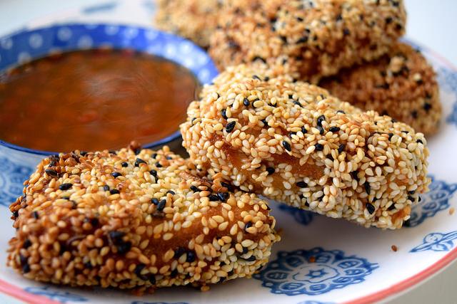 How To Make Homemade Sesame Prawn Toasts | www.rachelphipps.com @rachelphipps