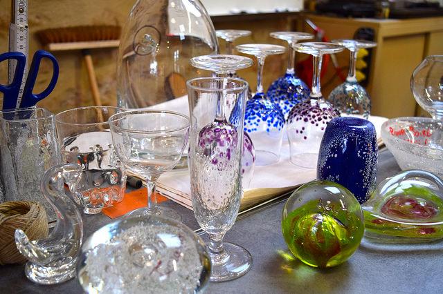 Handmade Glass in Terrasson, Aquitane | www.rachelphipps.com @rachelphipps