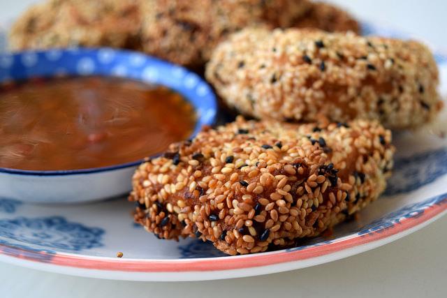 How To Make Sesame Prawn Toasts | www.rachelphipps.com @rachelphipps