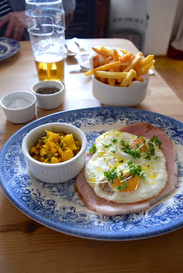 Ham, Egg & Chips at The Duck Inn, Pett Bottom   www.rachelphipps.com @rachelphipps