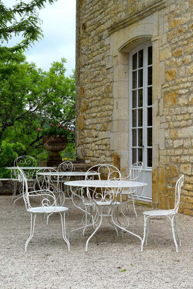 Outside Chateau de la Treyne | www.rachelphipps.com @rachelphipps
