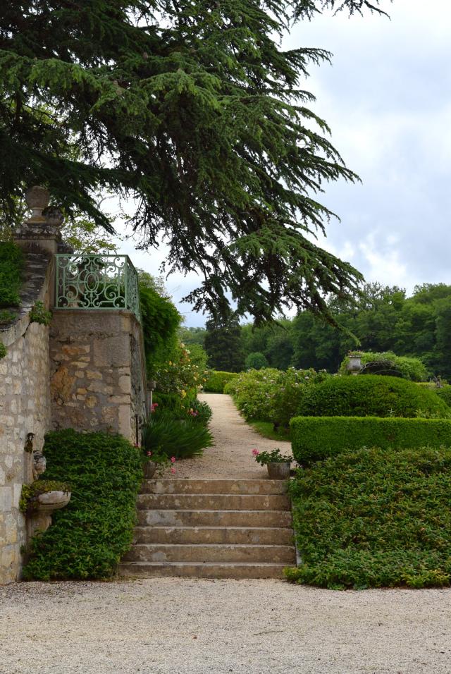 Gardens at Chateau de la Treyne | www.rachelphipps.com @rachelphipps