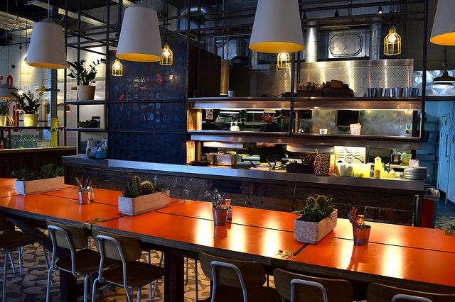 Communal Table at DF/Mexico, Shoreditch | www.rachelphipps.com @rachelphipps