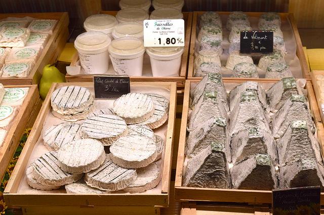 Rocomadour Goats Cheese on the farm | www.rachelphipps.com @rachelphipps