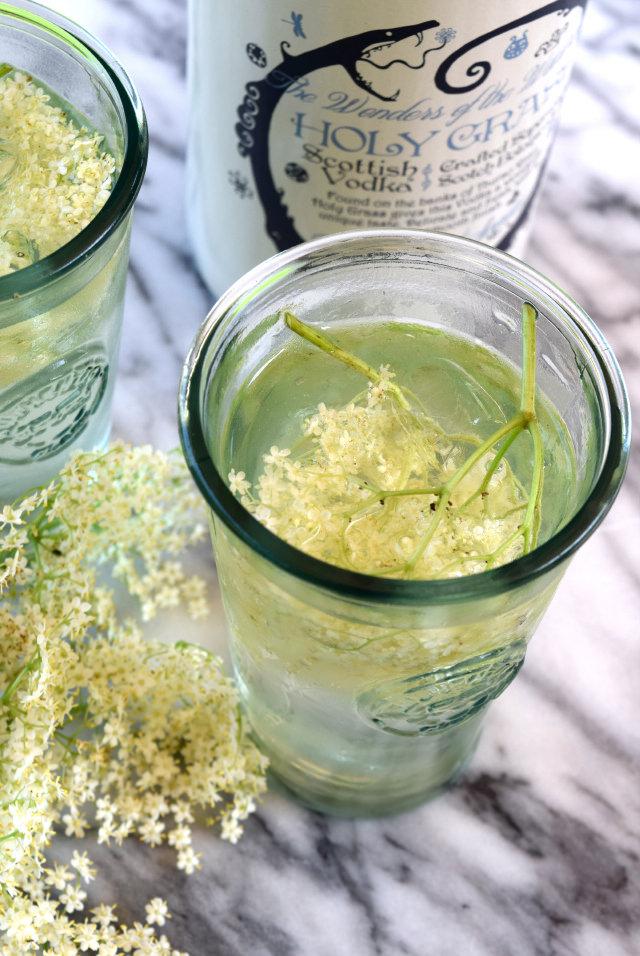 Elderflower Mule with Holy Grass Vodka | www.rachelphipps.com @rachelphipps