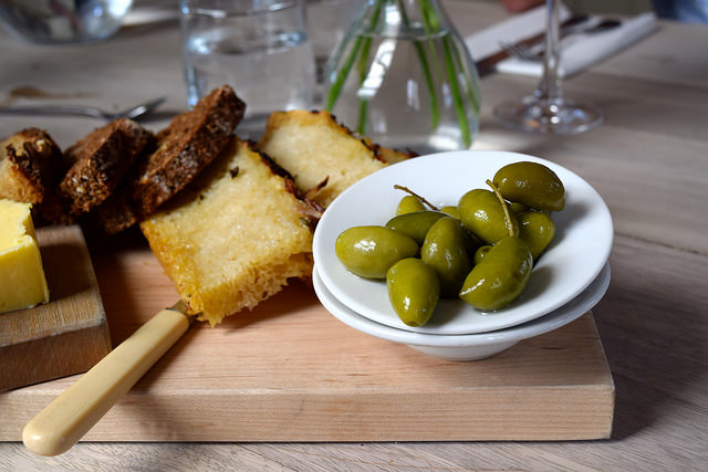 Bread and Olives at The Sportsman, Seasalter   www.rachelphipps.com @rachelphipps