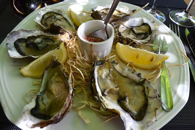 Cancale Oysters at Hotel Restaurant du Chateau, Combourg   www.rachelphipps.com @rachelphipps