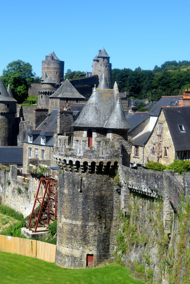 Fougeres in Brittany   www.rachelphipps.com @rachelphipps