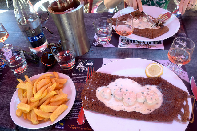 Lunch at Crêperie La Duchesse Anne, Fougeres   www.rachelphipps.com @rachelphipps