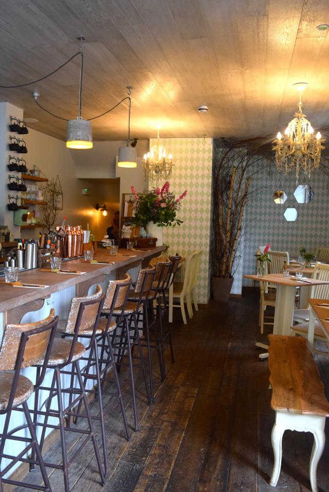 Inside Little Viet Kitchen, Islington | www.rachelphipps.com @rachelphipps
