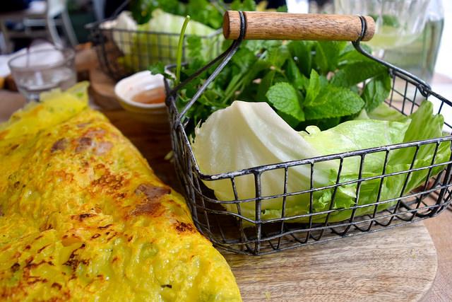 Fresh Herbs & Lettuce Wraps at Little Viet Kitchen, Islington | www.rachelphipps.com @rachelphipps