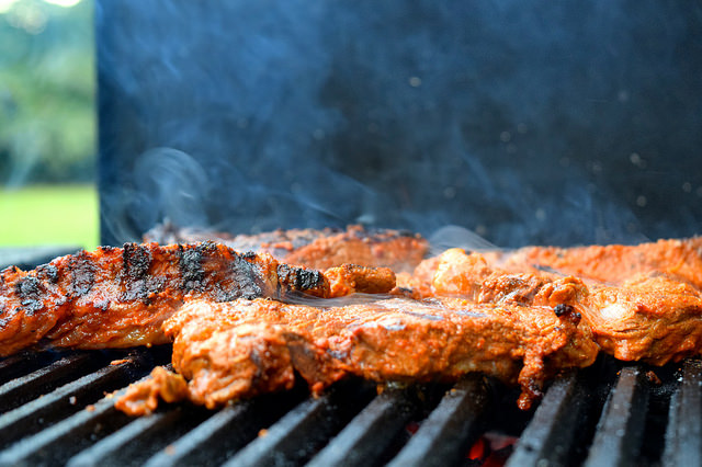Barbecuing Fajita Steak | www.rachelphipps.com @rachelphipps