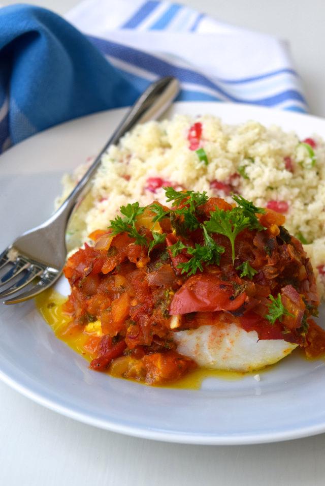 Skinny Tomato & Turmeric Cod with Cauliflower Pomegranate Rice   www.rachelphipps.com @rachelphipps