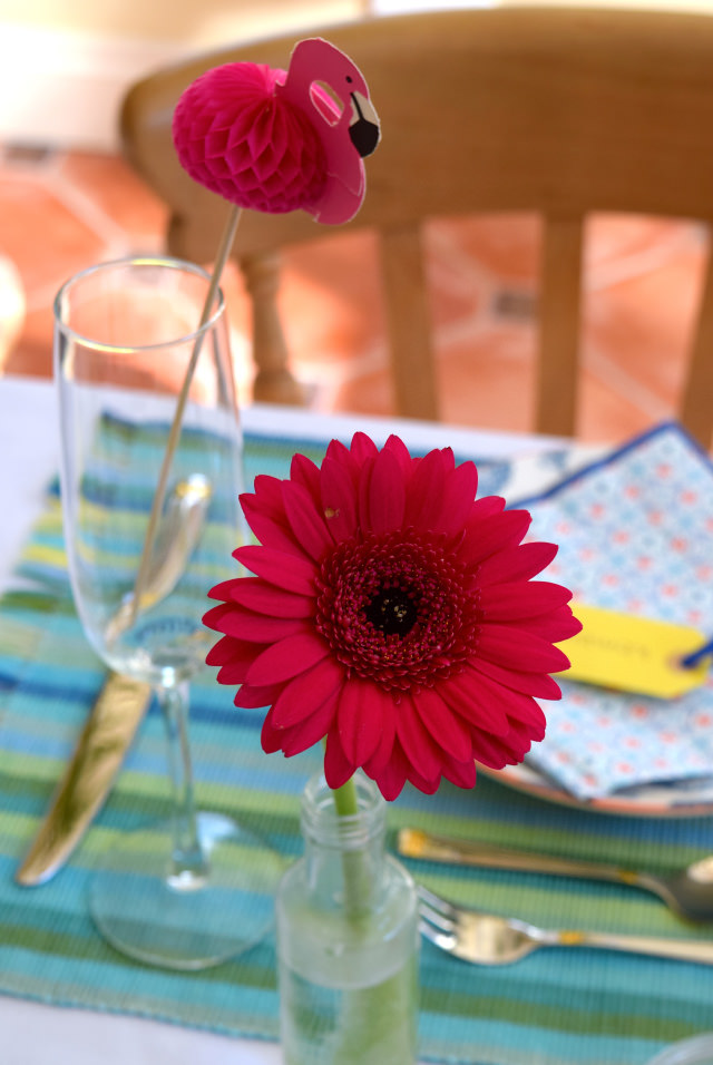 Pink Flower & Flamingo Table Decorations | www.rachelphipps.com @rachelphipps