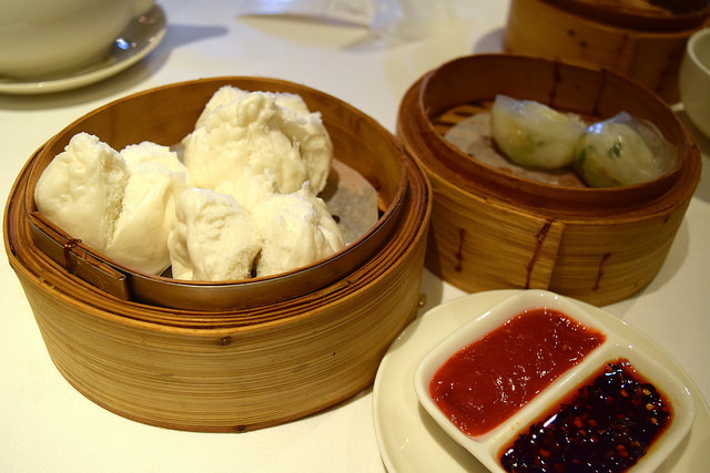 Chicken & Mushroom Buns at Royal China, Baker Street | www.rachelphipps.com @rachelphipps
