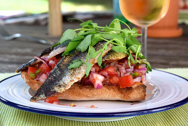 Sardine & Pea Shoot Bruschetta   www.rachelphipps.com @rachelphipps