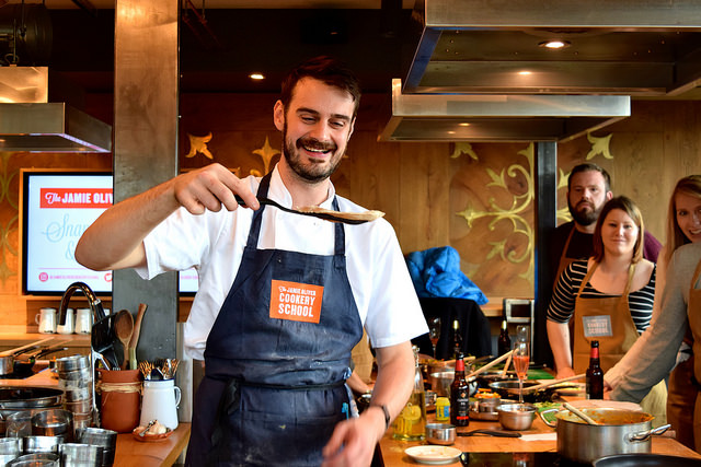 Chapati Lessons at The Jamie Oliver Cookery School | www.rachelphipps.com @rachelphipps