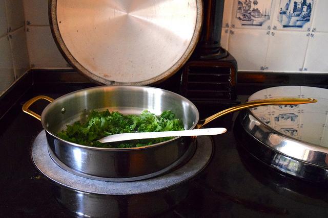 Sauteed Kale in M&S Cook's Sautee Pan | www.rachelphipps.com @rachelphipps
