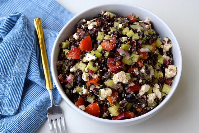 Greek Salad Lentil Bowl   www.rachelphipps.com @rachelphipps