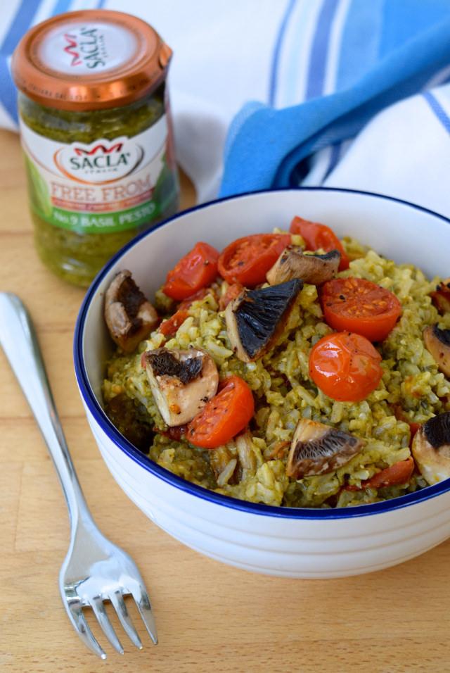 Roast Tomato & Mushroom Pesto Rice | www.rachelphipps.com @rachelphipps