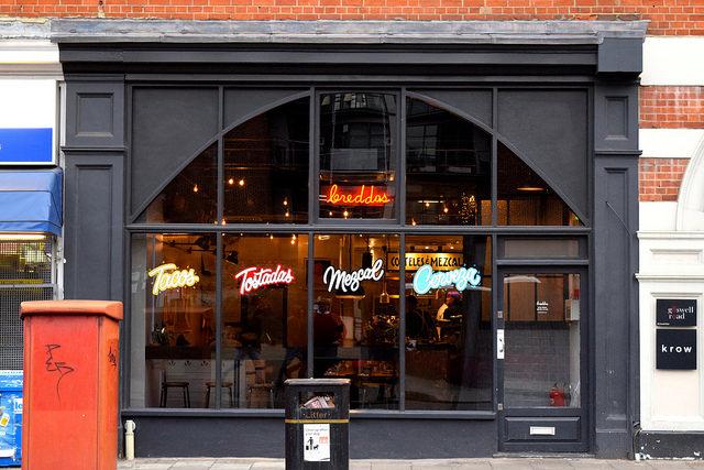 Outside Breddos Tacos, Clerkenwell   www.rachelphipps.com @rachelphipps