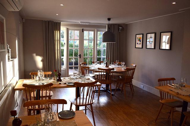 Dining Room at The Wife of Bath, Wye | www.rachelphipps.com @rachelphipps