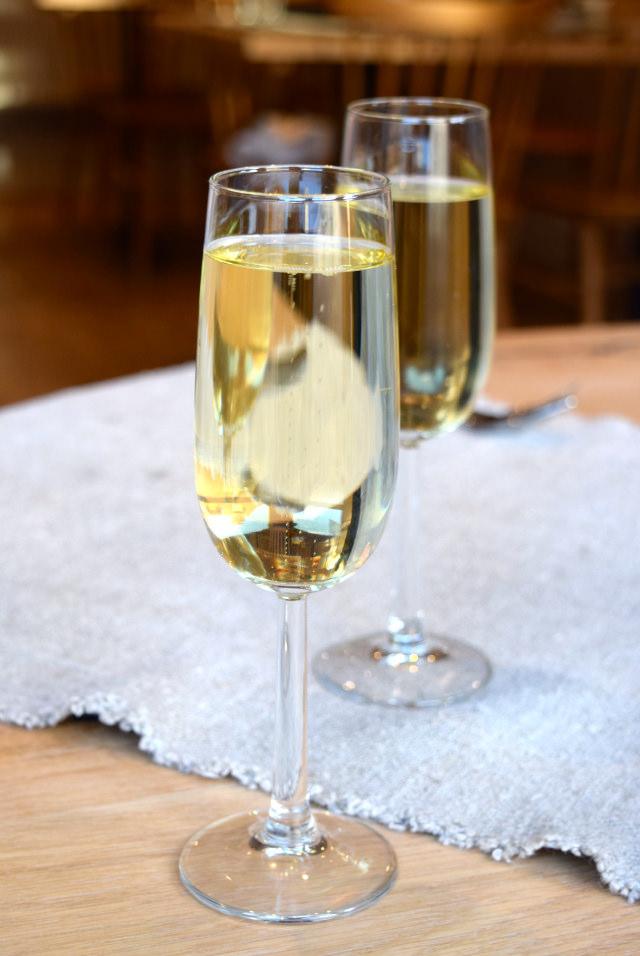 Spanish Sparkling Wine at The Wife of Bath, Wye | www.rachelphipps.com @rachelphipps