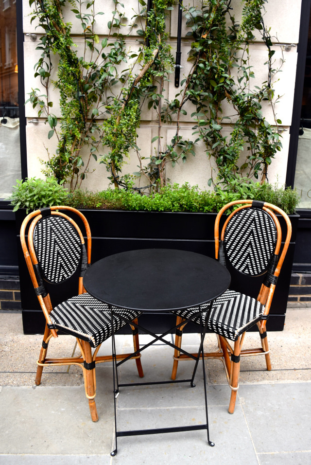 Outside at The Marylebone Hotel | www.rachelphipps.com @rachelphipps