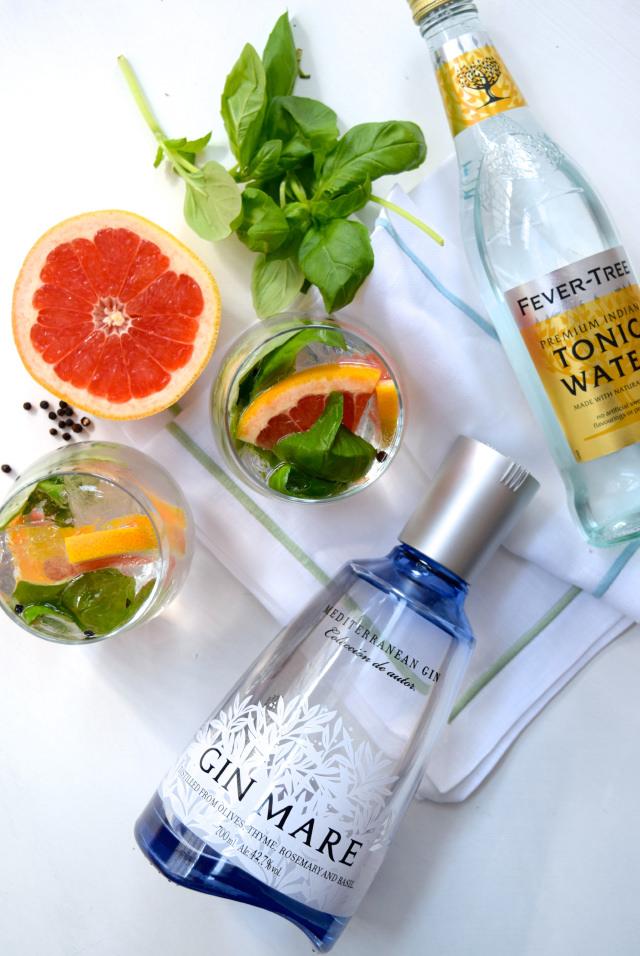 My Favourite Gin & Tonic Serve   www.rachelphipps.com @rachelphipps